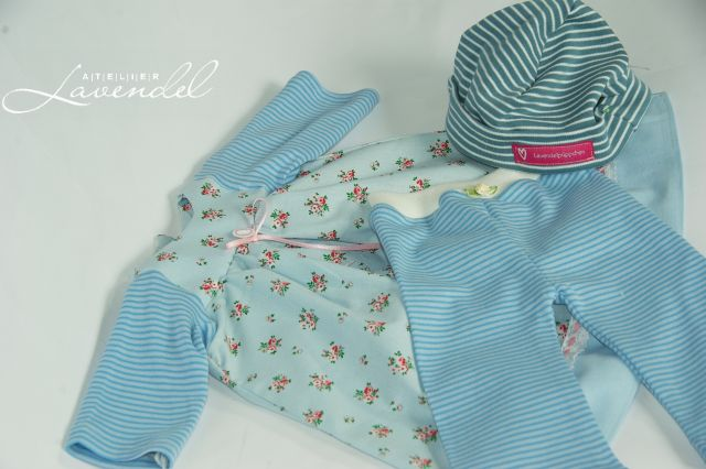 Handmade Waldorf doll clothing by Atelier Lavendel. ECO friendly, organic, safe. Handmade in Germany.
