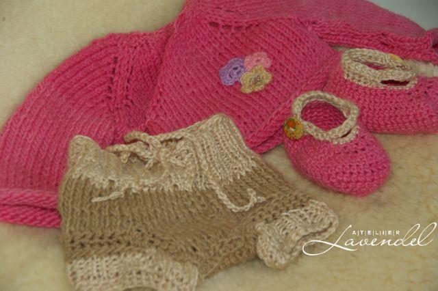 Waldorf Babypuppen by Atelier Lavendel ist liebevoll aus BIO-Stoffen und kbT-Wolle handgefertigt.