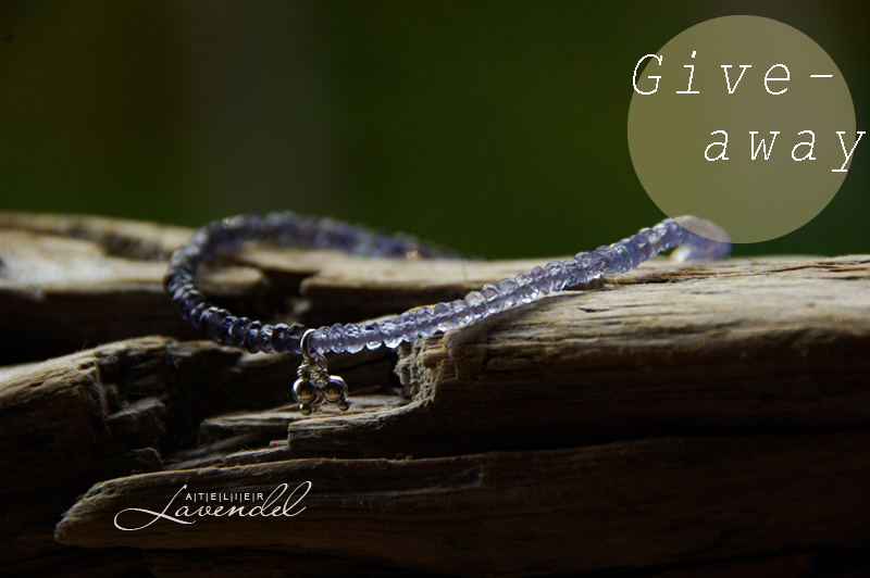 bracelet give-away by Atelier Lavendel