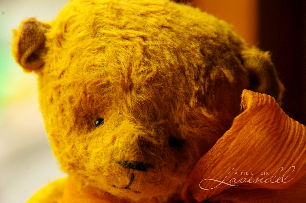 Vintage inspired art bears handmade by Atelier Lavendel are made using high quality natural materials. Waldorf Inspired. Handmade in Germany.