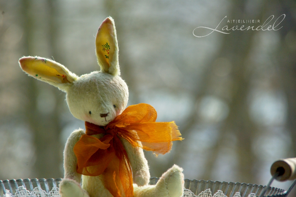 Handmade artist bunny by Atelier Lanendel is lovingly hand crafted using all natural, high quality materials. Handmade in Germany.