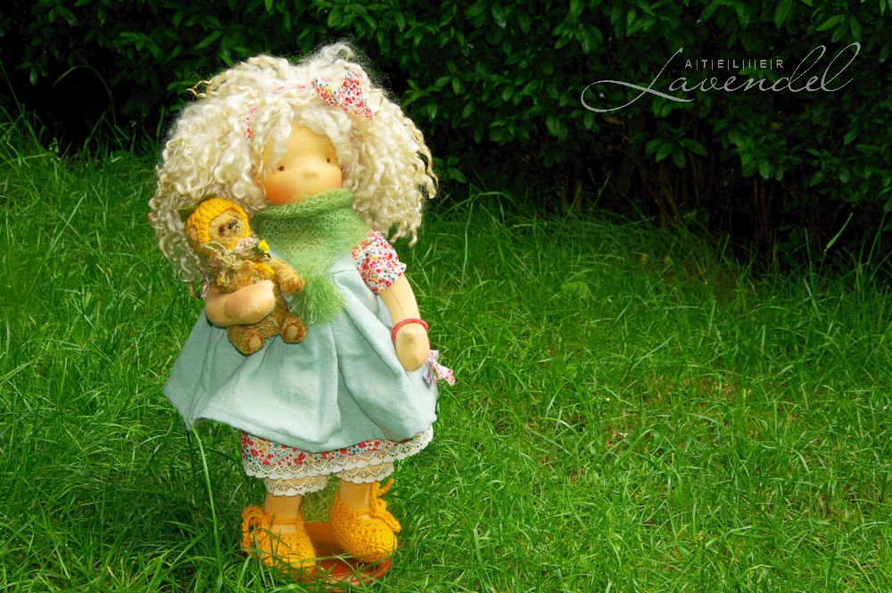 ooak natural art cloth dolls, handmade by Atelier Lavendel with lots of love and attention to detail, using all natural, best quality materials. Handmade in Germany.