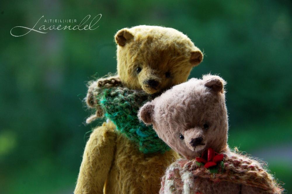OOAK artist bears: meet Leonard and Anton, handmade by Atelier Lavendel using high quality original materials.