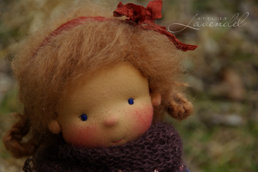 ooak natural fibres waldorf dolls: meet Heidi, all natural OOAK natural fibres doll by Atelier Lavendel. Handmade in Germany.