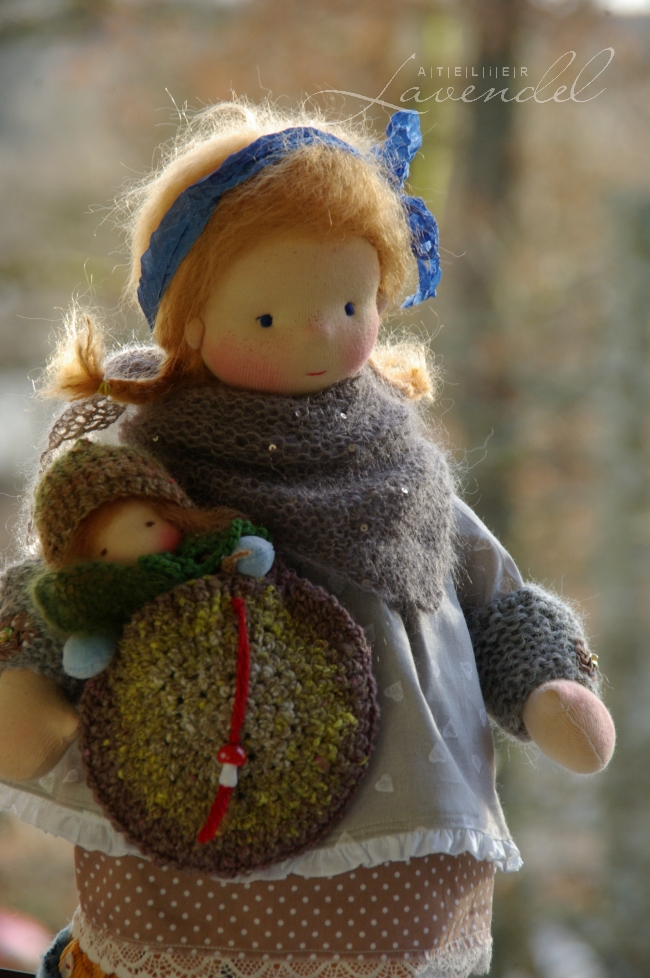 ooak natural fibers dolls: meet Antonia and Claudine, OOAK cloth dolls by Atelier Lavendel, handmade with lots of love and care.