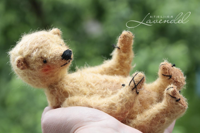 Meet Mathilda! RTG ooak artist bears by Atelier lavendel. Best quality natural materials, original designs. Hanmade in Germany.